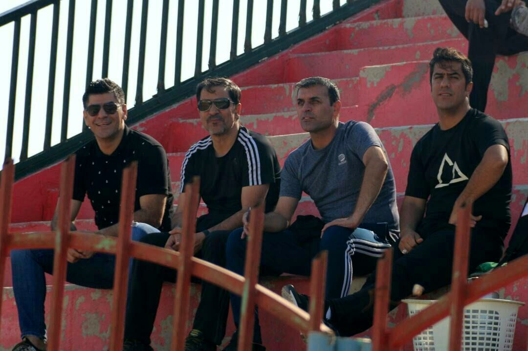 گزارش تصویری دیدار تیم های وحدت پدیده بوشهر و شهدای رزکان البرز به روایت دوربین عماد فقیه نژاد