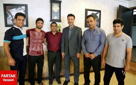 مدیرکل ورزش و جوانان خوزستان در خانه کشتی/ تقدیر از ملی پوشان خوزستانی