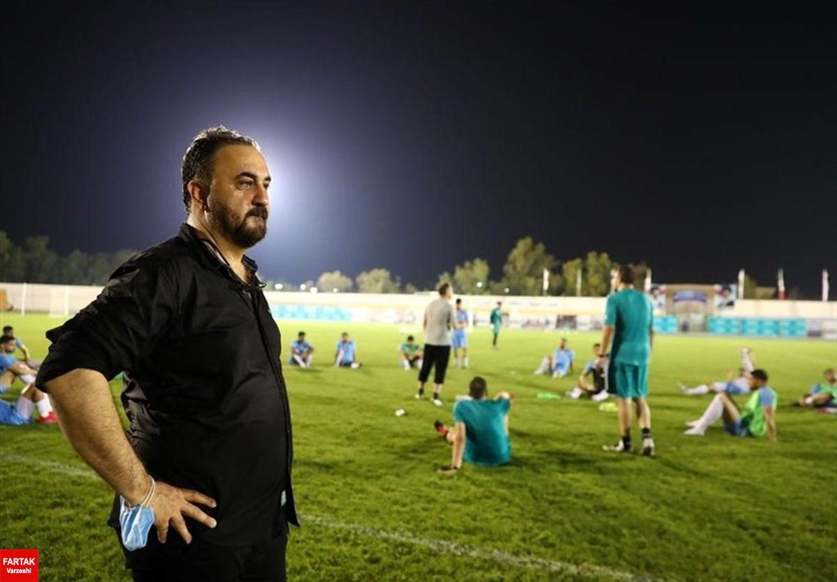 خورشیدی: فدراسیون فوتبال درباره اسکوچیچ تصمیم میگیرد/ او هست و کارش را انجام میدهد