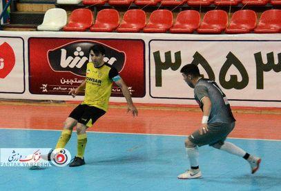هفته دوم پلی اف به کام ایمان شیراز / سه گل سهم دو تیم در ورزشگاه پیروزی