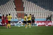 معوقه هفته هفتم لیگ برتر| لک مانع شکست پرسپولیس در آستانه دربی