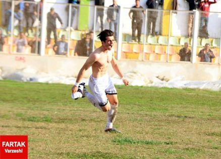 مهدی ایزدی: استرس داشتم اما هواداران به من انگیزه دادند/ باز هم گل میزنم
