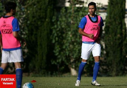 تکذیب یک شایعه توسط هافبک استقلال تهران: فردا در کنار بازیکنان تمرین می کنم