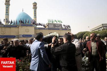 مراسم تشییع پیکر بهرام شفیع به روایت تصویر