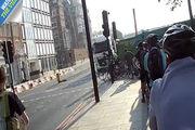 فرار میلیمتری دوچرخه سواران از مرگ در تصادف با کامیون!