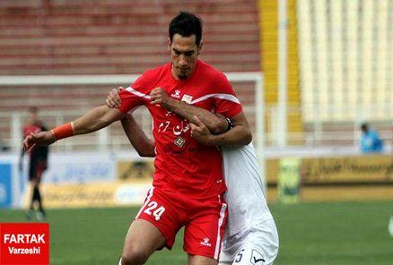 تردید گلمحمدی در بازی دادن به مهاجم خاطی