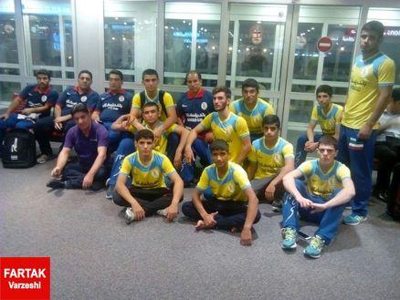 تیم کشتی فرنگی نوجوانان عکس سلفی در فرودگاه دوبی+عکس