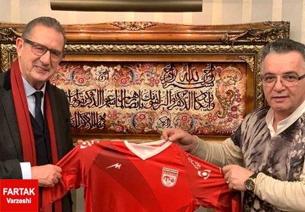 مدت قرارداد لیکنز با باشگاه تراکتورسازی مشخص شد