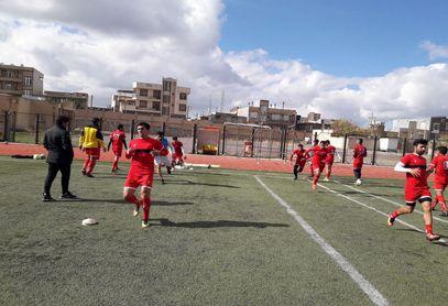 گزارش تصویری : تمرینات تیم شهرداری بم زیر نظر اردشیر البندی