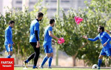 بازیکنان استقلال حق مصاحبه با صدا و سیما را ندارند!