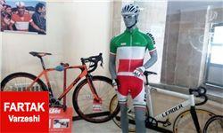 مراسم رونمایی از لباس و دوچرخه ملیپوشان المپیکی +تصاویر