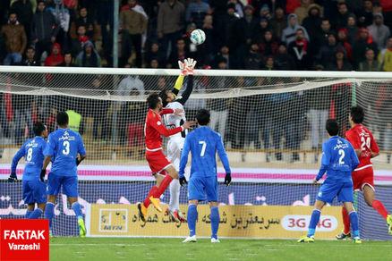 شناخت کامل از فوتبال ایران،برتری شفر نسبت به سرمربی تراکتورسازی