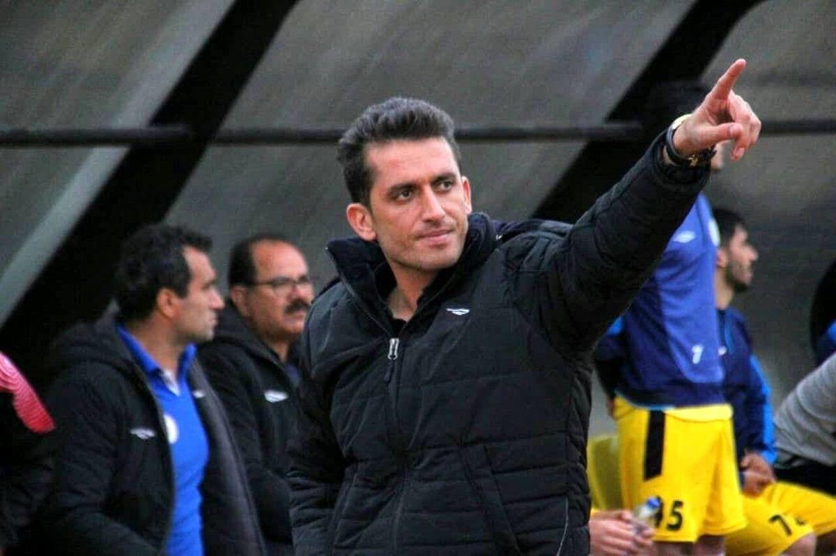 حکیمی: خوشه طلایی با قدرت در لیگ یک تیمداری میکند
