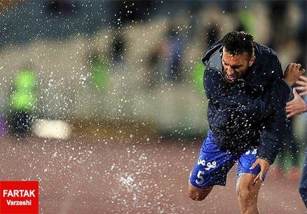 انتقاد تند استقلالی معروف وجنجالی از وزیر ورزش بابت حمایت از پرسپولیس