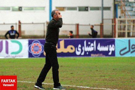 محمد احمدزاده: نمی دانم صلاح هست بمانیم یا باید بگذاریم و برویم؟!